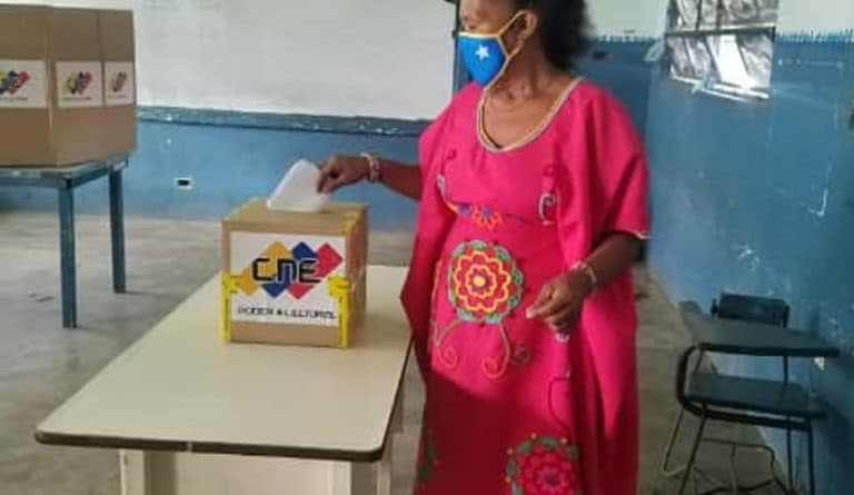 Parlamentary indigenous elections in Venezuela. Photo courtey of Ultimas Noticias.