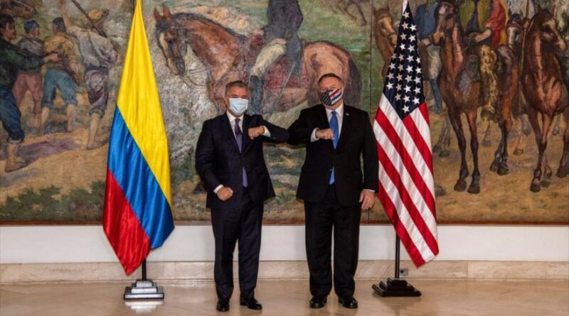 The US Secretary of State, Mike Pompeo (right), and the President of Colombia, Iván Duque, in Bogotá, September 19, 2020. (Photo: AFP)