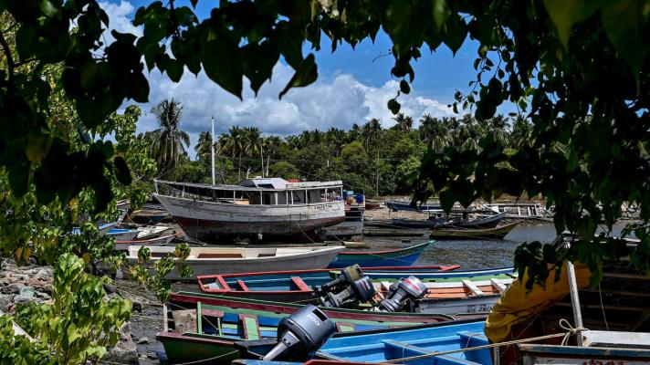Featured image: View of the port of the city of Güiria, Sucre state, from where the ship that wrecked left (Photo: Federico Parra / AFP).