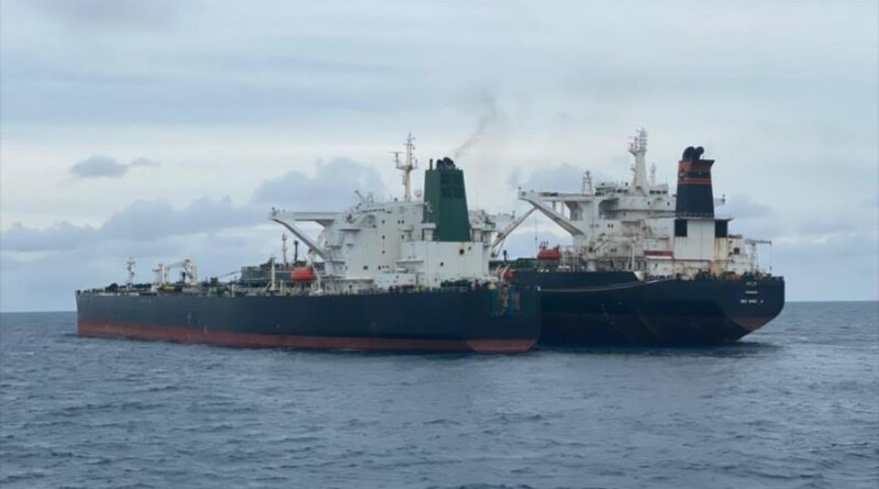 Featured image: The Indonesian Coast Guard detains two tankers, one under the Iranian flag and the other Panamanian, off the coast of West Kalimantan province, January 24, 2021.