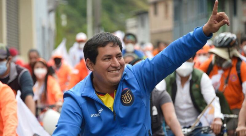 Featured image: The presidential candidate of the Union for Hope (Unes) alliance, Andrés Arauz, in a campaign event in Quito, January 26, 2021. (Photo: AFP).
