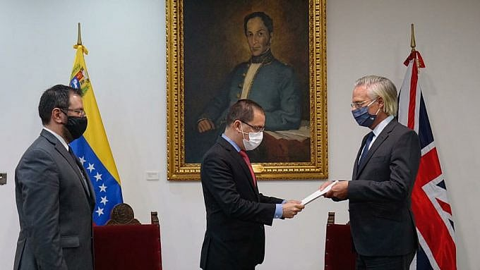 Venezuela delivers note of protest to UK diplomats due finincing of NGO and media for regime change operations.