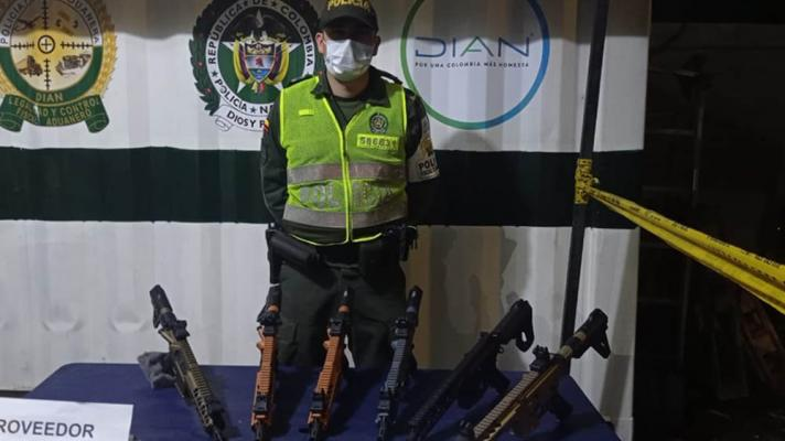 us made war weapons seized in colombia on its way to the border with Venezuela