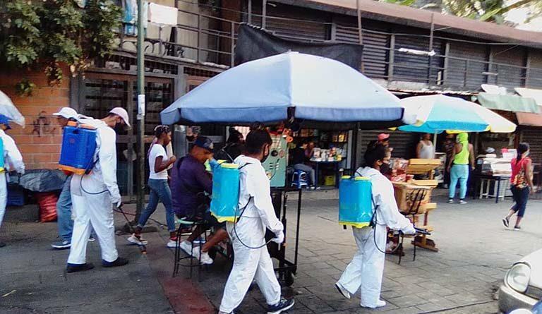 Featured image: Disinfection days continue in the Petare neighborhood, Caracas. Photo courtesy of Ultimas Noticias.