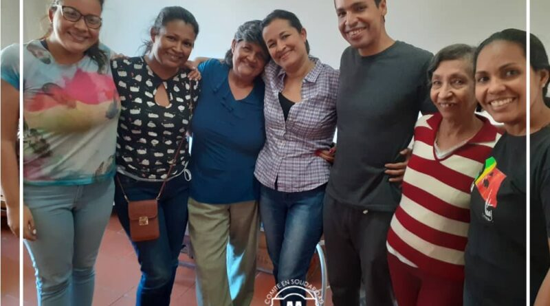 Featured image: Aryenis and Alfredo with their relatives at home under house arrest. Photo courtesy of @aryenisyalfredo.
