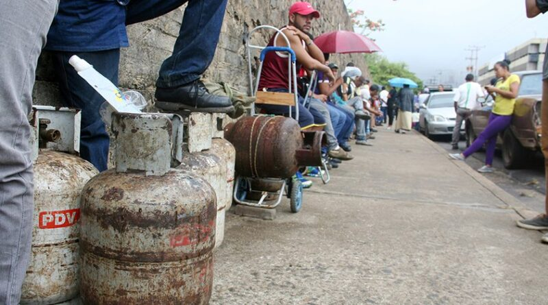 Ordinary Venezuelans are the ones suffering the lack of domestic gas, due to US blockade and sanctions but also due to corruption. File photo.