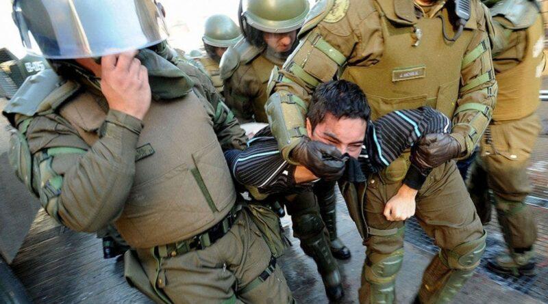 More police repression in Chile. Photo courtesy of Diario Popular.