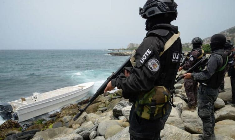 Featured image: Police and military commandos during the neutralization of Operacion Gideon near Macuto, La Guaira state. File photo.