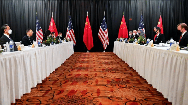 Featured image: Delegates from Beijing and Washington met at the Captain Cook hotel in Anchorage (Alaska) (Photo: AFP).