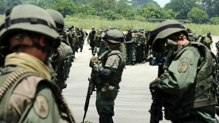 Features image: The Venezuelan Army is prepared to repeal and neutralize a Colombian paramilitary and army attack. File photo.