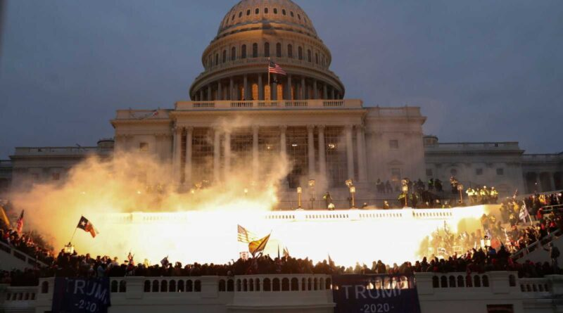 Featured image: Capitol Hill while blasted by republican Donald Trump's sympathizers. File photo.