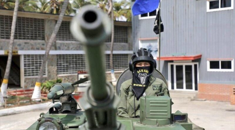 Featured image: Venezuelan military forces deployed on the border with Colombia to combat paramilitarism.