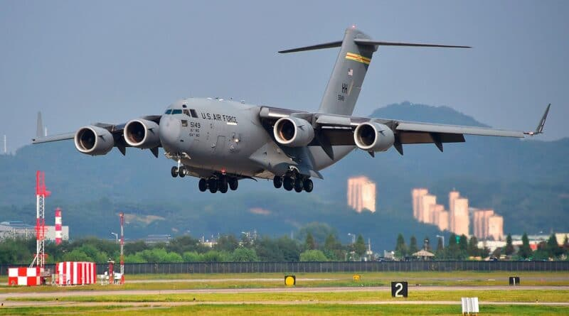 Featured image: A C-17 Globemaster III similar to the four that have landed in Colombia in recent days. File photo.