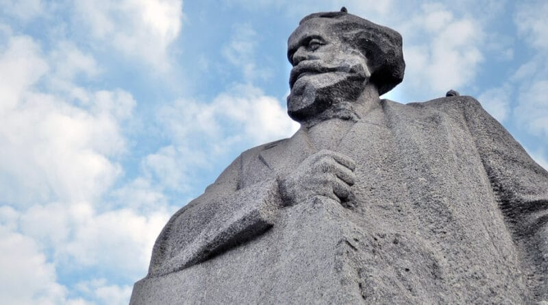Monument to Karl Marx in Moscow, Russia. Photo: Ekaterina Bykova/Shutterstock.com)