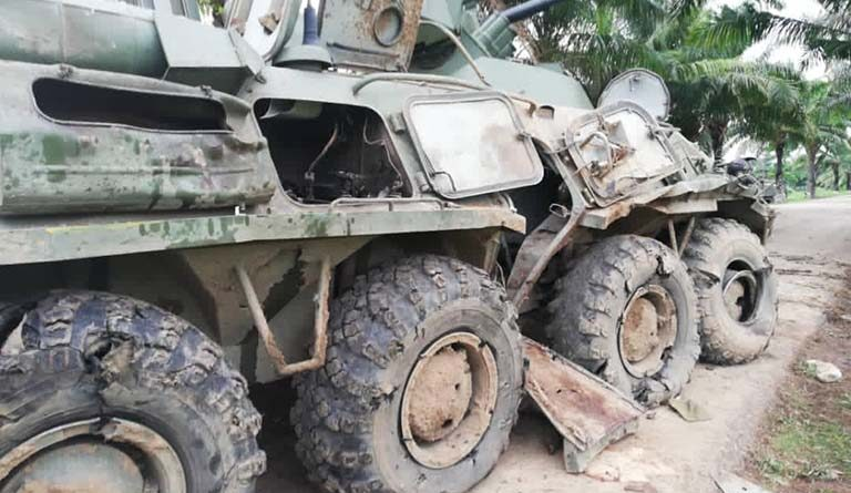 Venezuelan tank destroyed by Colombian paramilitary gangs in Apure state on Thursday, April1. Photo courtesy of Ultimas Noticias.