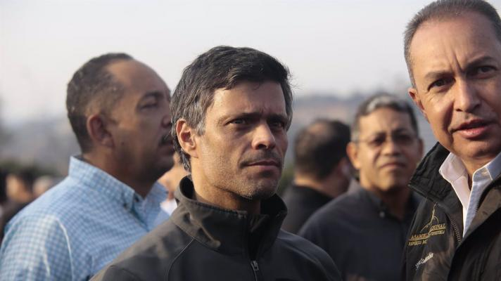 Featured image: Leopoldo López in Caracas during the attempted military coup he led on April 30, 2019 (Photo: Rafael Hernández).