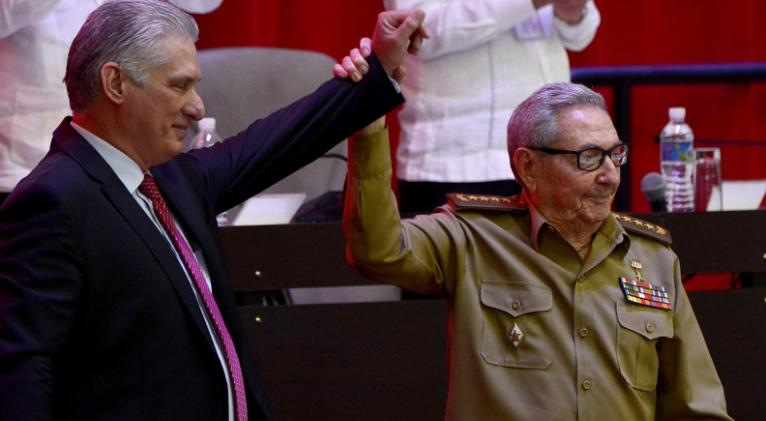 Miguel Díaz-Canel Bermúdez (I), President of the Republic, together with Army General Raúl Castro Ruz (D), after his election as First Secretary of the Central Committee of the Communist Party of Cuba (CC PCC), during the Closing Session of the VIII Congress of the PCC, at the Palacio de Convenciones, in Havana, on April 19, 2021. ACN PHOTO / Ariel LEY ROYERO