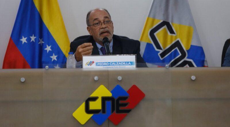 Featured image: Pedro Calzadilla the new head of Venezuela's National Electoral Council (CNE) announcing mega regional elections for November 21, 2012. Photo courtesy of El Pais.
