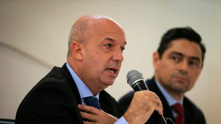 Iván Simonovis with Carlos Vecchio, members of the Guaidó clan (Photo: Alexander Drago / Reuters)