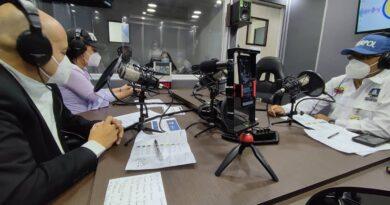Venezuelan Interpol authorities on a radio station. Photo courtesy of @ViisipMIJP