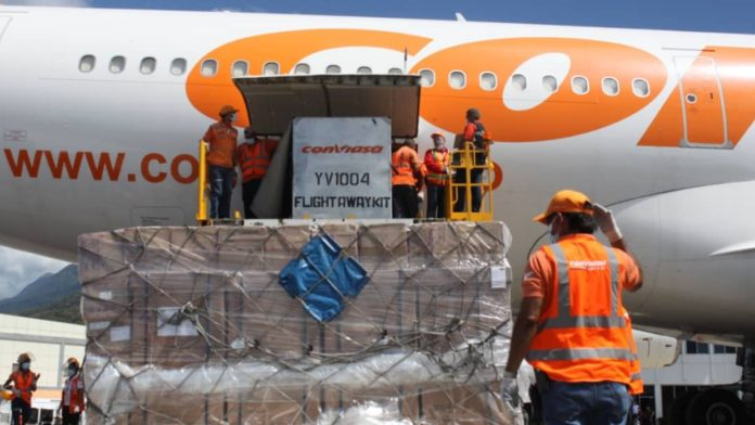 Featured image: 17th shipment of medical supplies from China arriving in Venezuela on a Conviasa flight. Photo courtesy of Venezuelan Ministry for Health.