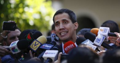 Former deputy Juan Guaido being surrounded by the press. File photo.