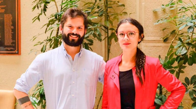 """Gabriel Boric and Chilean """"communist"""" Camila Vallejo while presenting a draft law proposal in 2019. File photo."""
