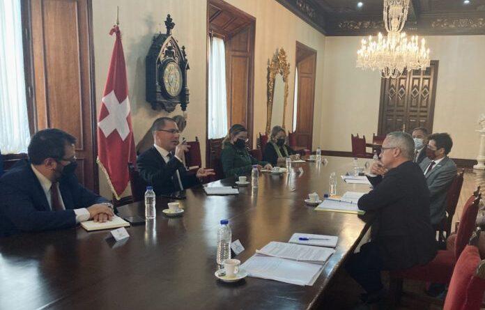 Venezuelan authorities meet with Swiss representatives in Casa Amarilla, Caracas. Photo courtesy of Twitter: @SwissPeaceHR