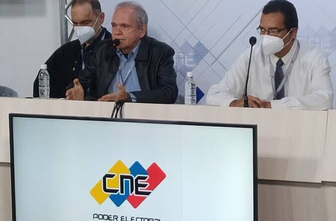 IT experts during a press conference from CNE headquarters in Caracas this Monday, July 26. Photo courtesy of CNE.