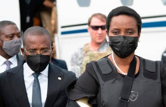 Martine Moïse arriving in Haiti in the same plane used by Moise assassins. Photo courtesy of La Tabla.