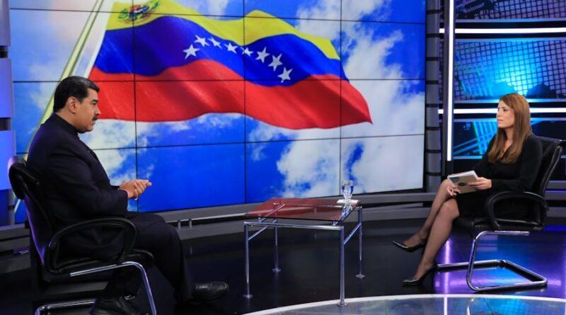Venezuelan President Nicolas Maduro and Telesur President Patricia Villegas. Photo courtesy of Prensa Presidencial.