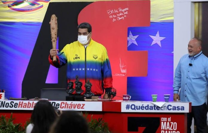 Venezuelan President Nicolas Maduro and Diosdado Cabello during a broadcast of the TV show Con el Mazo Dando. Photo courtesy of RedRadioVE.