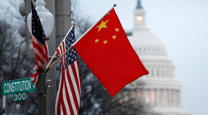 Chinese and US decoration flags on Washington DC. File photo by Hyungwon Kang / Reuters.