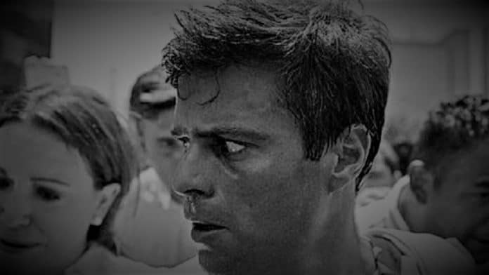 Leopoldo Lopez before being arrested in 2014 after organizing violent demonstration to oust President Maduro. File photo.