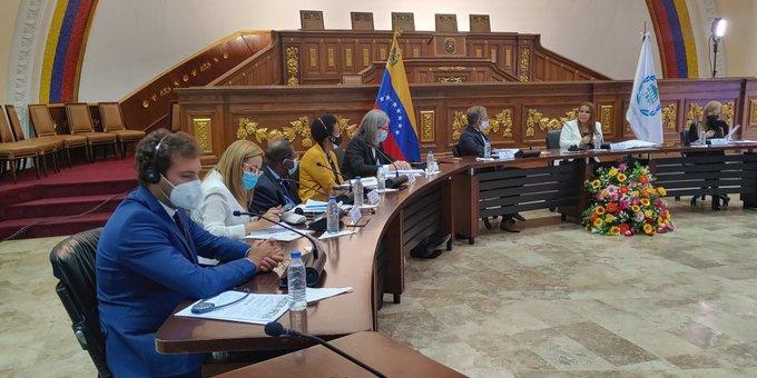 Meeting between the IPU delegation and Venezuelan parliamentarians. Photo courtesy of Telesur.