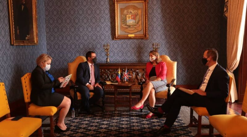 UK new diplomatic head of mission to Caracas, Rebecca Buckingham, appointed by the government of Boris Johnson to the government of Nicolas Maduro despite the fact that Johnson recently reiterated his recognition to the non-existent government of former deputy Guaido. The UK diplomat held a meeting with Venezuelan Deputy Minister for Foreign Affairs Yvan Gil.