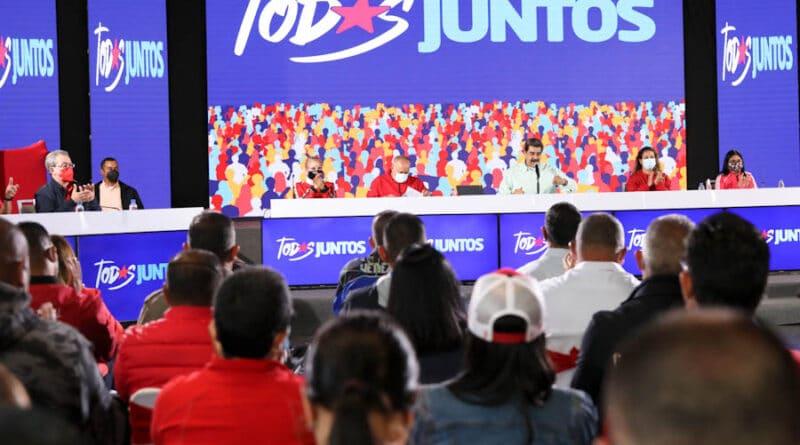 President Maduro and the PSUV directorate. File photo courtesy of Prensa Presidencial.