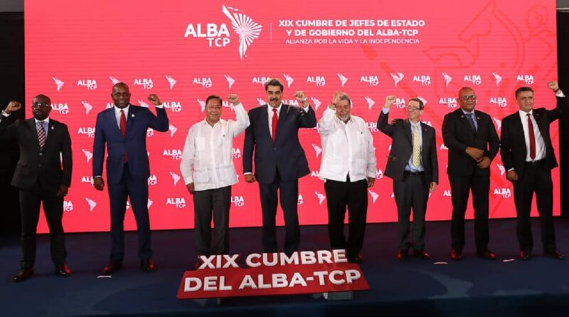 Family photo during the last XIX ALBA-TCP summit held in Caracas last June. Photo courtesy of Prensa Presidencial.