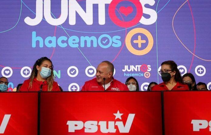 Diosdado Cabello during a press conference accompanied by the PSUV board of directors. Photo courtesy of RedRadioVE.