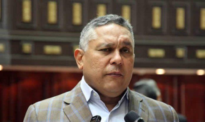 Featured image: PSUV deputy Pedro Carreño. File photo.