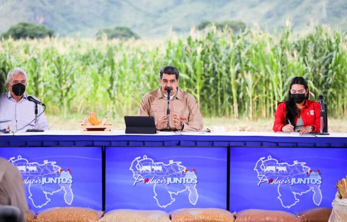 President Nicolas Maduro escorted by Vice President Delcy Rodriguez and Minister for Agriculture Castro Soteldo. Photo courtesy of Prensa Presidencial.