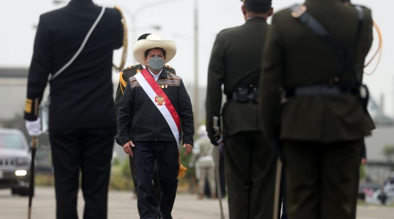 Peruvian President Pedro Castillo being saluted in a military ceremony. File photo courtesy of Twitter / @Agencia_Andina .
