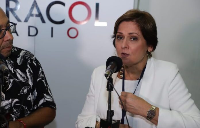 Carmen Elisa Hernández in an interview for Caracol Colombia. File photo courtesy of Twitter / La Tabla @latablablog.