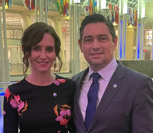 """Featured image: Guaido's """"ambassador"""" to the US, Carlos Vecchio with the extreme right Spanish politician from Partido Popular, Isabel Díaz Ayuso. Photographed just a few hours after the latest criticized Pope Francis for apologizing for Catholic Church mistakes during the colonization of Latin America. Photo courtesy of Twitter / @carlosvecchio."""