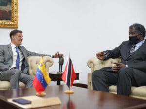 Venezuelan Minister of Foreign Affairs Felix Plasencia in a meeting with the ambassador of Trinidad and Tobago in Caracas Paul Byam. Photo courtesy of Twitter / @PlasenciaFelix.