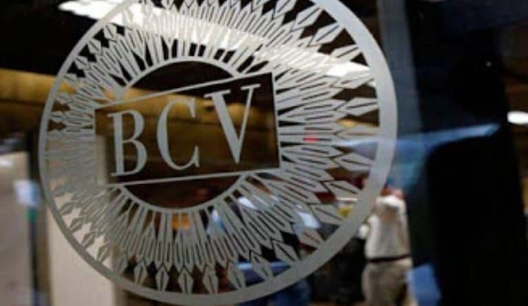 Logo of the Venezuelan Central Bank at its headquarters in Caracas. File photo.