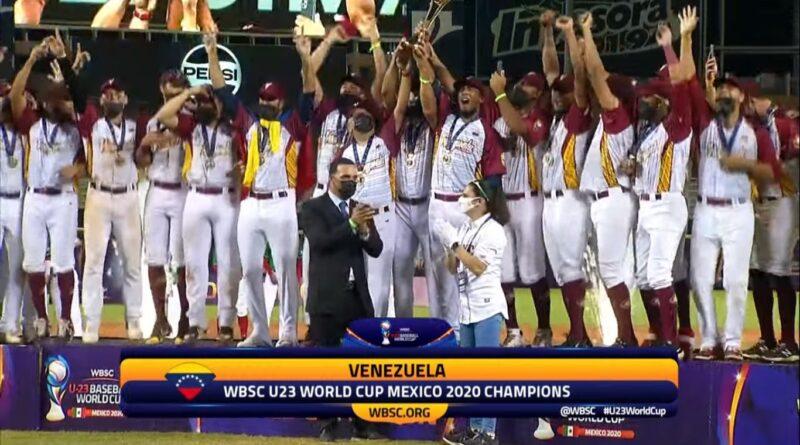 Awarding ceremony to the Venezuelan (Vinotinto) baseball team, winner of the WBSC U23 World Cup. Photo courtesy of Alba Ciudad.