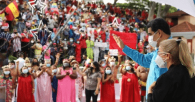 President Nicolas Maduro and his wife and Deputy Cilia Flores during a public event celebration the Indigenous Resistance Day last October 12. Photo courtesy of Prensa Presidencial.