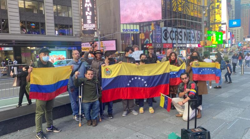 Emergency protests held on Sunday, October 17, in New York city's Time Square denouncing the kidnapping of Venezuelan diplomat Alex Saab. Photo courtesy of the Alberto Lovera Bolivarian Circle of New York and Williams Camacaro.