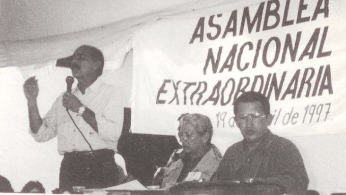 William Izarra along Hugo Chavez on a political assembly in 1997, a few months before Hugo Chave's first term as President of Venezuela. File photo courtesy of Alba Ciudad.